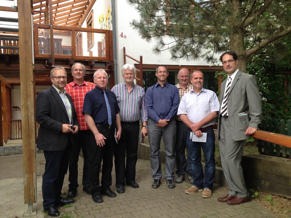 Die Kreistagskandidaten der Freien Wähler waren zu Gast im Kehlhof in Durchhausen. Leiter Herr Klöckler informierte die Gruppe über die Strukturen und Aufgaben dieser beeindruckenden Einrichtung.